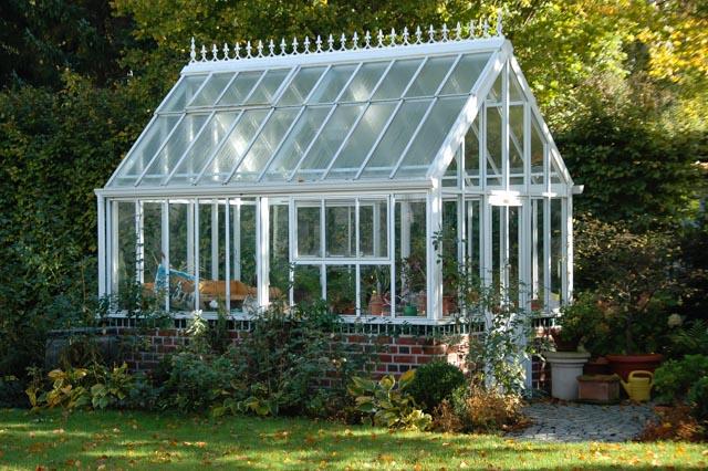 ein landhausgarten im englischen stil in l beck heino. Black Bedroom Furniture Sets. Home Design Ideas