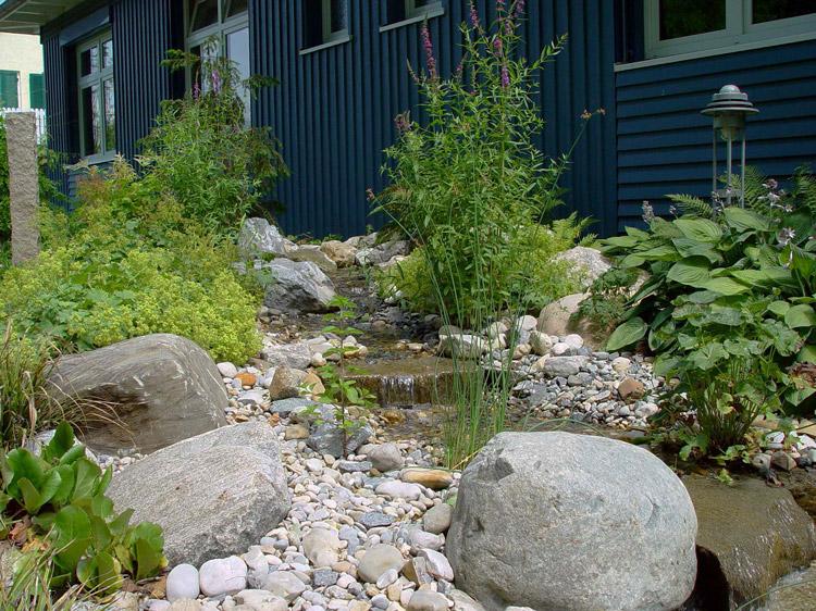Bachlauf-im-Garten Photo: BGL